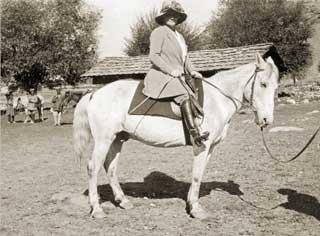 Е.И.Рерих во время Центрально-Азиатской экспедиции